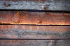 Viele Farben auf rauem altem Bauholz in der Nahaufnahme Lizenzfreies Stockbild