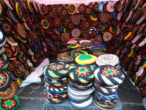 Viele Farben von Hüten Lizenzfreies Stockbild