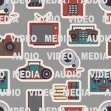 Viele Funktionen trägt einen modernen Handy nahtlos lizenzfreie stockfotografie