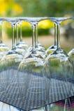 Viele gedienten Weingläser Lizenzfreies Stockfoto
