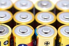 Viele gelben Batterien Lizenzfreie Stockbilder