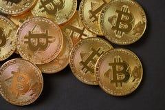 Viele Gold-bitcoins Lizenzfreies Stockfoto