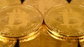 Viele Gold-bitcoins stock footage