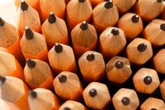 Viele hölzernen Bleistifte stockbild