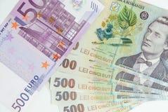 Viele hohen Banknoten und 500-Euro - Schein des Leu Lizenzfreie Stockfotos