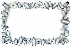 Viele kleinen elektrischen DC-Motoren auf weißem Hintergrund stockfotografie