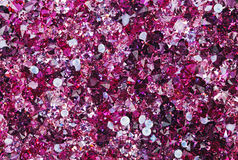 Viele kleinen karminroten Diamantsteine Stockfotografie