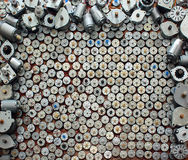 Viele kleinen Motoren von der alten Computerausrüstung stockfoto