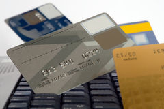 Viele Kreditkarten lizenzfreie stockfotos