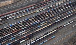 Viele Lastwagen und Serien. Luftaufnahme. Stockfotografie