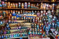 Viele Matrioska-Puppen Stockfoto