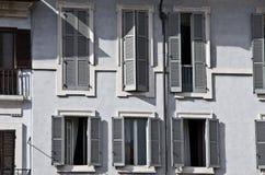 Viele Retro- Fenster Stockfotografie