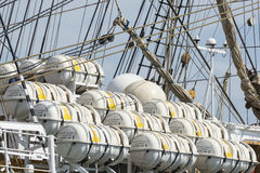 Viele Rettungsboote Lizenzfreie Stockfotografie
