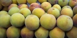 Viele süßen Pfirsichfrüchte Lizenzfreies Stockfoto