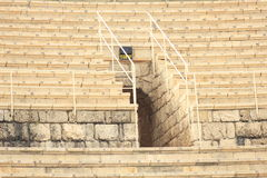 Viele Sitze römischen Theater am Caesarea-Maritima Stockbild