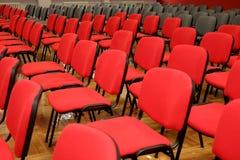 Viele Stühle Stockfoto