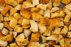 Viele Stückchen getrocknetes Brot Lizenzfreies Stockfoto