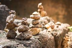 Viele Steine vertikal eingestellt lizenzfreies stockfoto