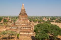 Viele Tempel in Bagan am sonnigen Tag Stockfotografie