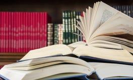 Viele verschiedenen Bücher stock abbildung