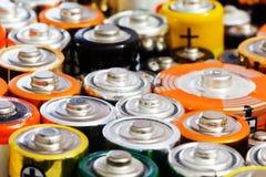 Viele verschiedenen Batterien Stockfotografie