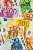 Viele verschiedenen Eurorechnungen Stockfotos