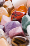 Viele verschiedenen natürlichen Steine Lizenzfreies Stockfoto