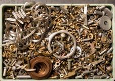 Viele verschiedenen Schrauben, Bolzen, Nüsse, Waschmaschinen, Hintergrund Stockfoto