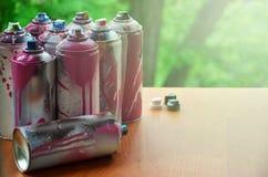 Viele verwendeten Spraydosen Farbenabschluß-u Lizenzfreie Stockfotos