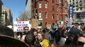 Viele vielen Protestierender an der Sammlung stock video