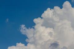 Viele Wolken Stockbild