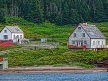 Vielle maison bord de l ancestrale de Gaspesie Ile Bonaventure do eau do ` Fotos de Stock Royalty Free