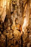 Vielstalagmite in einer Höhle stockfoto