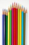 Vielzahl der farbigen Bleistifte. Stockfotografie