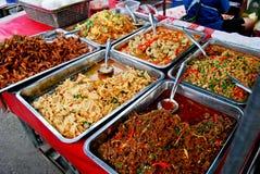 Vielzahl der siamesischen Nahrung im Markt Lizenzfreies Stockfoto
