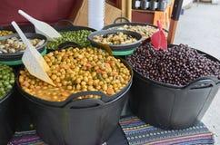 Vielzahl vieler Oliven auf einem Markt in Valencia Lizenzfreies Stockbild