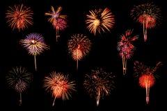 Vielzahl von Feuerwerken auf schwarzem Hintergrund Lizenzfreie Stockfotos