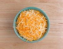 Vielzahl von Käsen in einer kleinen Schüssel Lizenzfreies Stockbild