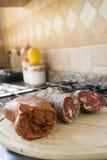 Vielzahl von kalabrischen Würsten: nduja und soppressata Stockfotografie