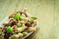 Vielzahl von Nüssen: Acajoubaum, Pistazie, Mandel Lizenzfreies Stockbild