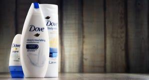 Vielzahl von Taubenprodukten einschließlich Körpermilch und -antitranspirationsmittel Stockfoto