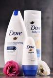Vielzahl von Taubenprodukten einschließlich Körpermilch und -antitranspirationsmittel Stockfotos