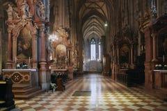 Viena, Áustria - 15 de abril de 2018: Catedral do ` s de St Stephen em Viena fotografia de stock