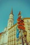 Viena, Áustria - 11 de agosto de 2015: Área de passeio de Graben do aroundSingerstrasse, dia ensolarado bonito com fachada fansta Fotografia de Stock Royalty Free