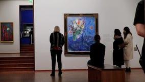 Viena, Áustria - 21 de janeiro de 2019: Albertina Wien Gallery, Art Gallery em Viena Salão do artista Marc Chagall video estoque