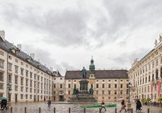 VIENA, ÁUSTRIA - 6 DE OUTUBRO DE 2016: Estátua de Francis II, Roman Emperor santamente, então imperador de Áustria, rei apostólic imagens de stock royalty free