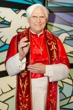 Viena, Áustria - 09 04 2014: Tussauds da senhora, museu da cera Atração turística Figura de cera do papa Benedict XVI fotografia de stock