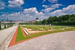 viena παλατιών κήπων πανοραμικώ&nu Στοκ εικόνες με δικαίωμα ελεύθερης χρήσης