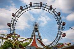 VIENA, AUSTRIA - 17 DE AGOSTO DE 2012: Vista de la rueda gigante e de Prater Imagen de archivo libre de regalías