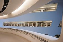 Viena/Austria/12 de noviembre de 2017: Interior param?trico del edificio de biblioteca de Zaha Hadids en Viena foto de archivo libre de regalías